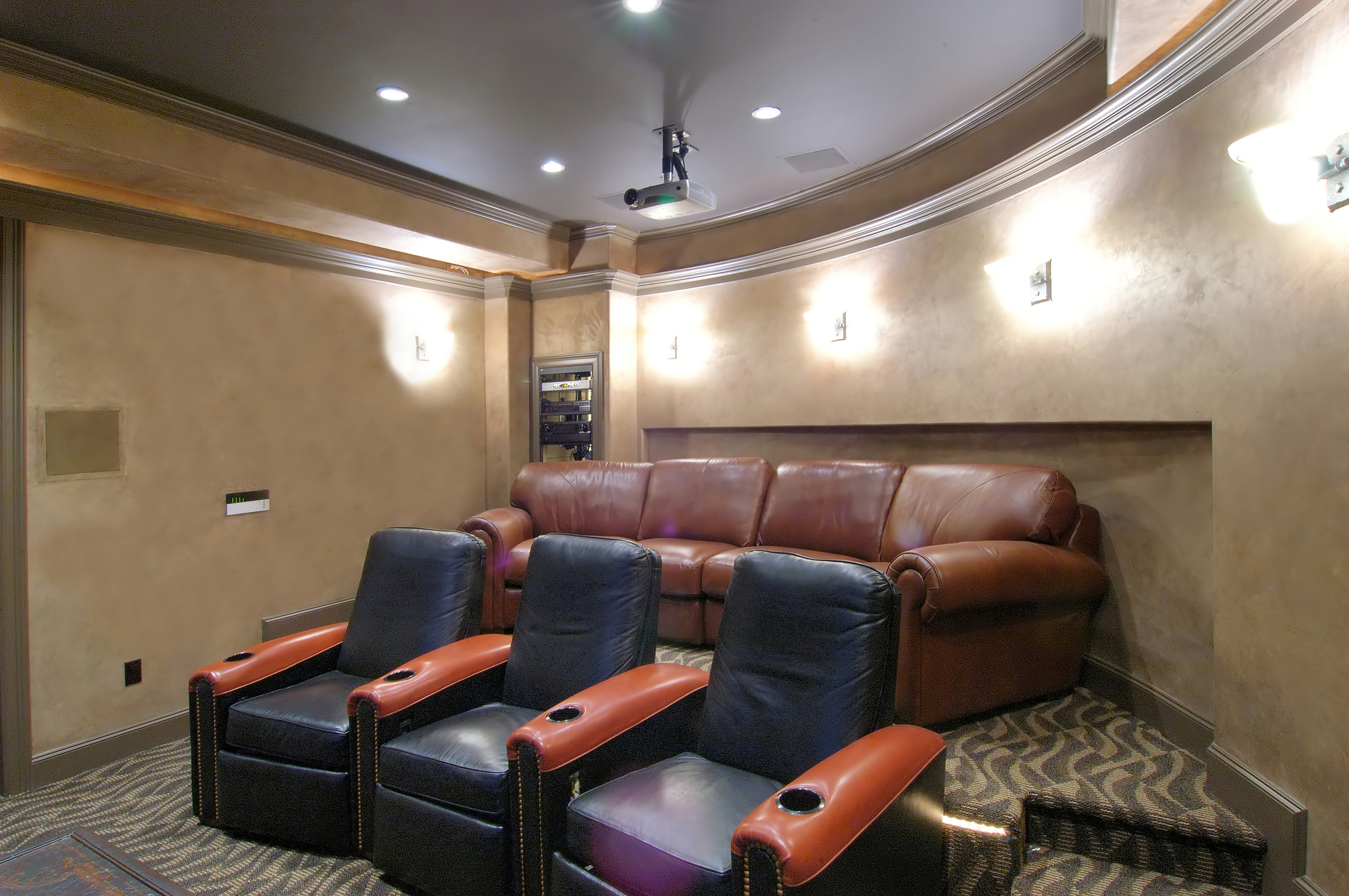 top six hot trends in home theater d cor home theater experts. Black Bedroom Furniture Sets. Home Design Ideas